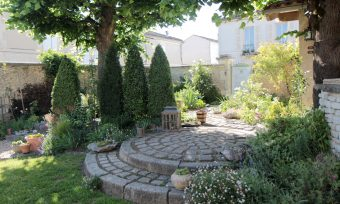 the garden of rue Pascal in Cognac