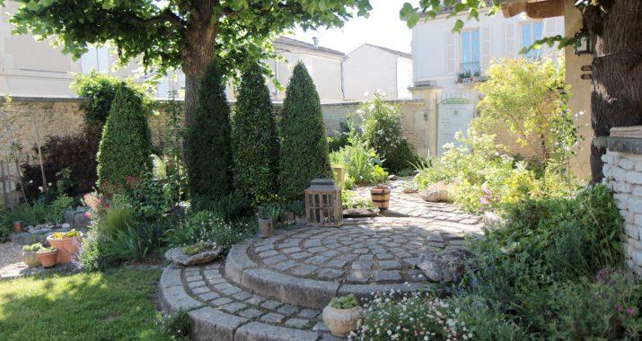 the garden of rue Pascal in Cognac