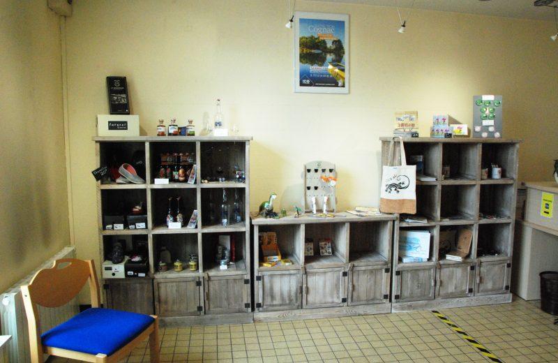 Boutique du Bureau d'Information Touristique de Chateauneuf sur Charente à Châteauneuf-sur-Charente - 0
