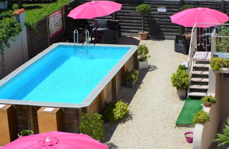 HOTEL-RESTAURANT LE PASSIFLORE à CHATEAUBERNARD - 1