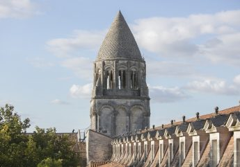 376578-Clocher-Abbaye-par-Sebastien-Laval_1.JPG