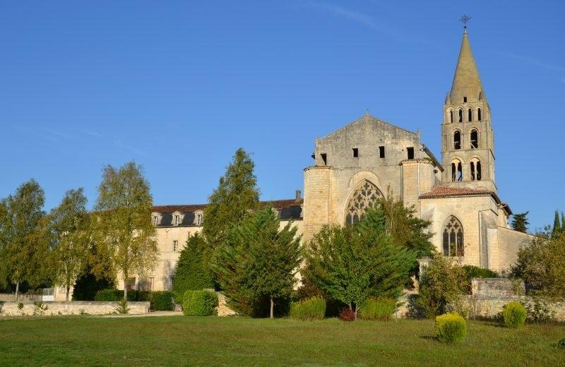 Abbaye de Bassac à Bassac - 1
