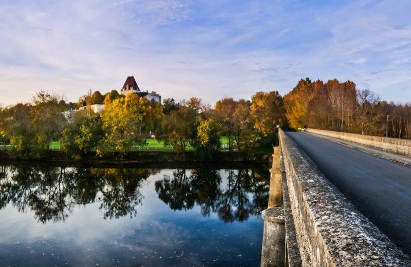 Bourg-Charente, Village de Pierres et de Vignes à Bourg-Charente - 0