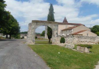 m-depart-et-arrivee-au-vieux-bourg-de-merpins-visorando-23012-grand-cognac.jpg