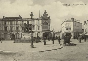 viste-gourmande-Cognac-Place-francois-premier.jpg