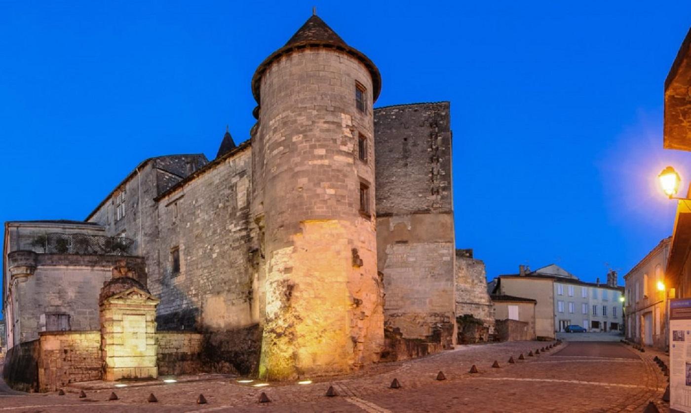Visite de la ville de Cognac à la lueur des lanternes