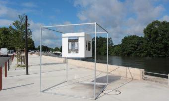 Cognac de A à Z , une exposition à ciel ouvert sur les quais de la Charente