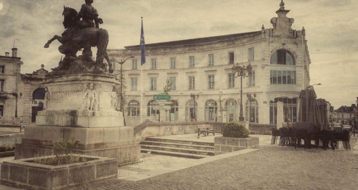 Place François Premier à Cognac