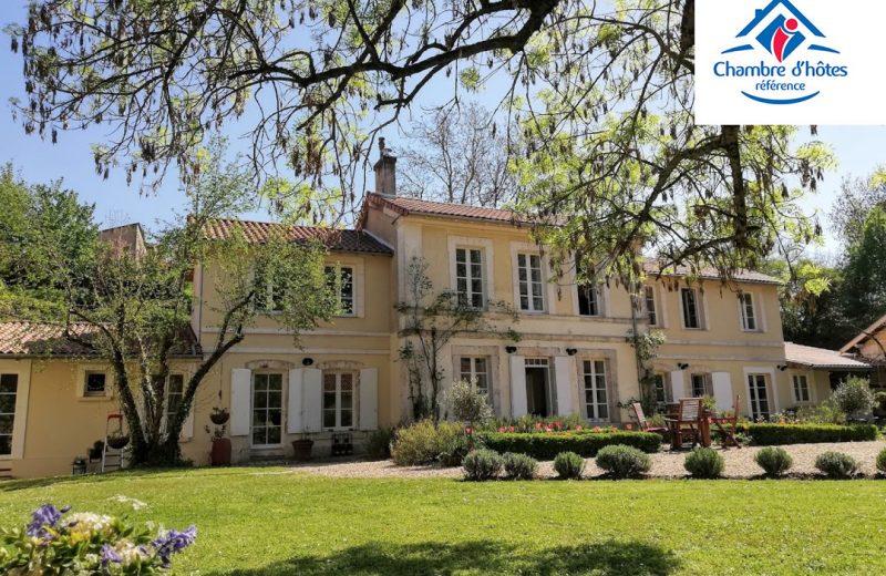 Chambres d'hôtes – Le Domaine des Platanes à Bourg-Charente - 0