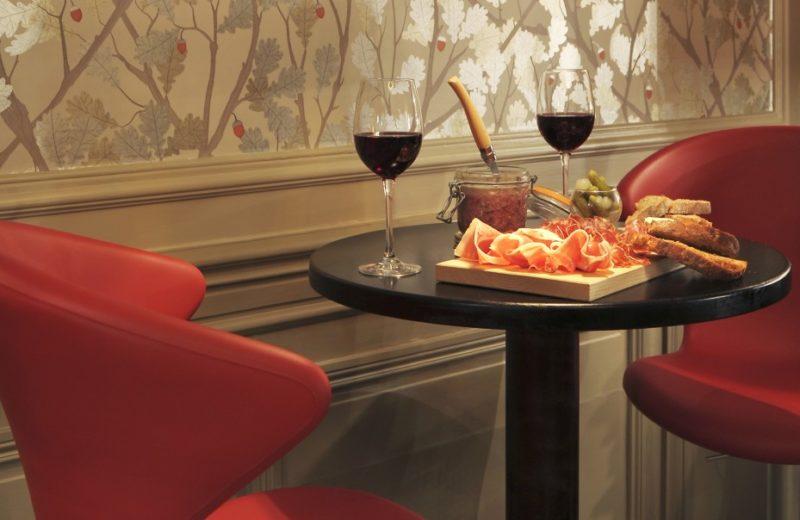 LA TABLE DE L'YEUSE à CHATEAUBERNARD - 9