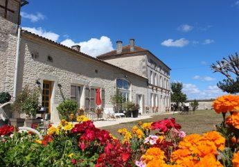 373210-Chambres-d-hotes-Logis-de-l-Arceau-M-et-Mme-Smallwood-Rose-Celles-2017.jpg