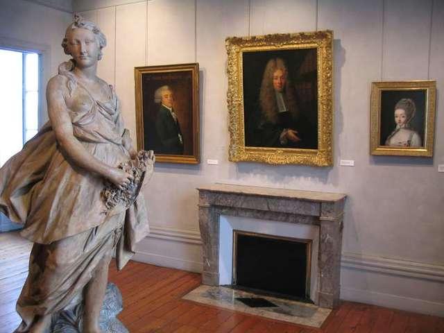 MUSÉE D'ART ET D'HISTOIRE à COGNAC - 1
