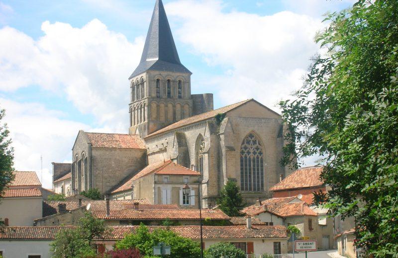 Abbaye de Saint Amant de Boixe à Saint-Amant-de-Boixe - 0