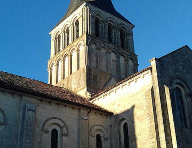 Abbaye de Saint Amant de Boixe à Saint-Amant-de-Boixe - 2