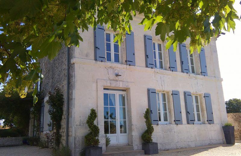Meublé – Le Mas de la Tonnelle à Saint-Même-les-Carrières - 9