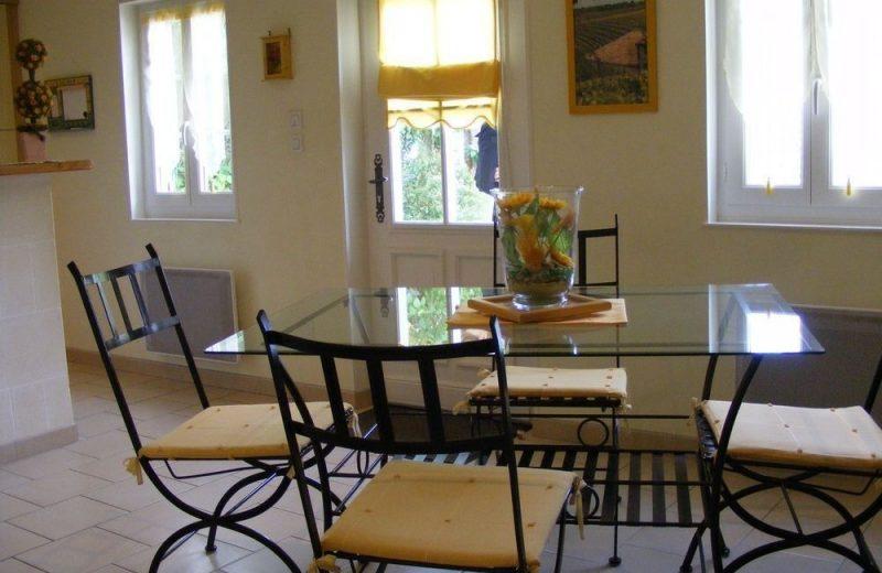 Meublé_jusqu'à 4pers – Gîte Brioux à Châteauneuf-sur-Charente - 5