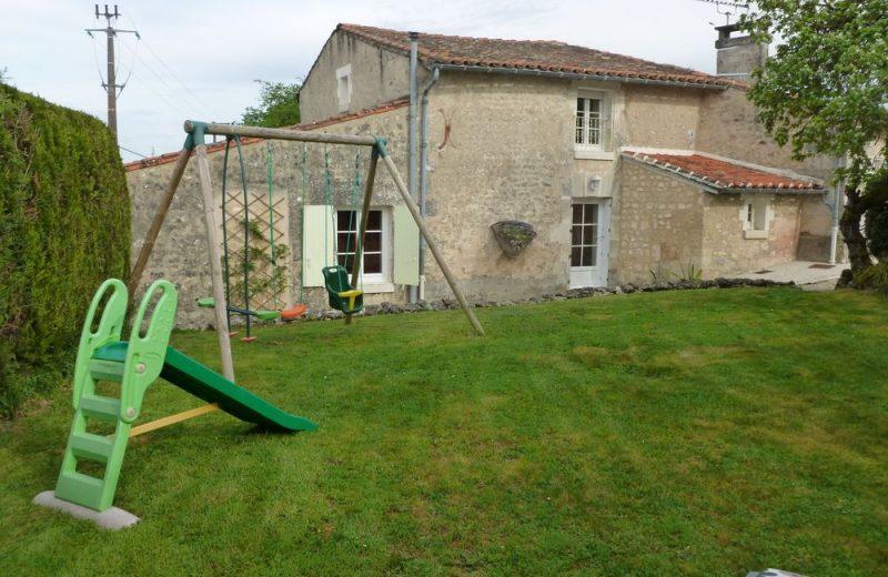 Meublé_jusqu'à 4pers – Gîte Brioux à Châteauneuf-sur-Charente - 16