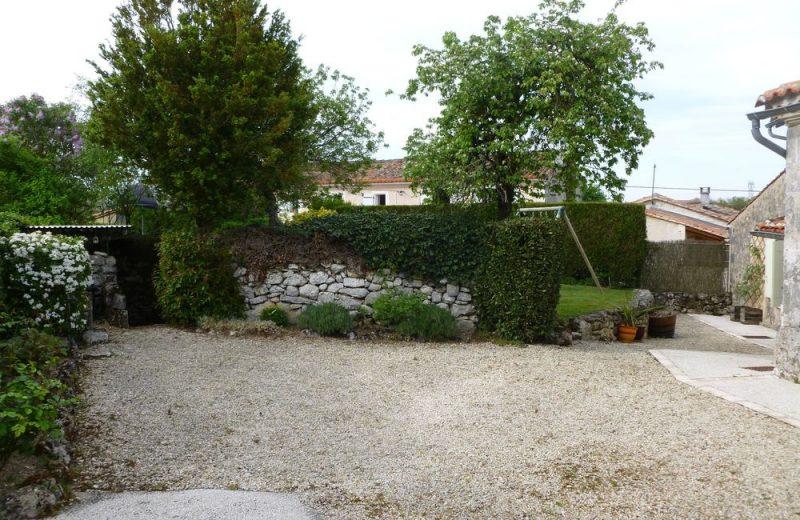 Meublé_jusqu'à 4pers – Gîte Brioux à Châteauneuf-sur-Charente - 17