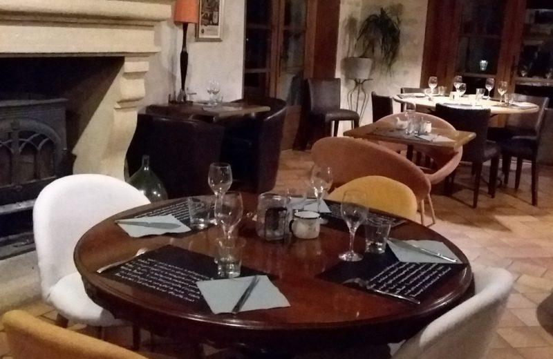 Restaurant Le Mas Charentais à Saint-Simeux - 1