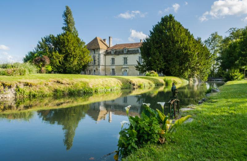 Lignières-Sonneville, Village de Pierres et de Vignes à Lignières-Sonneville - 0