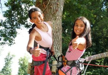 Jeunes filles accrobranche – Parc Aventure Fontdouce