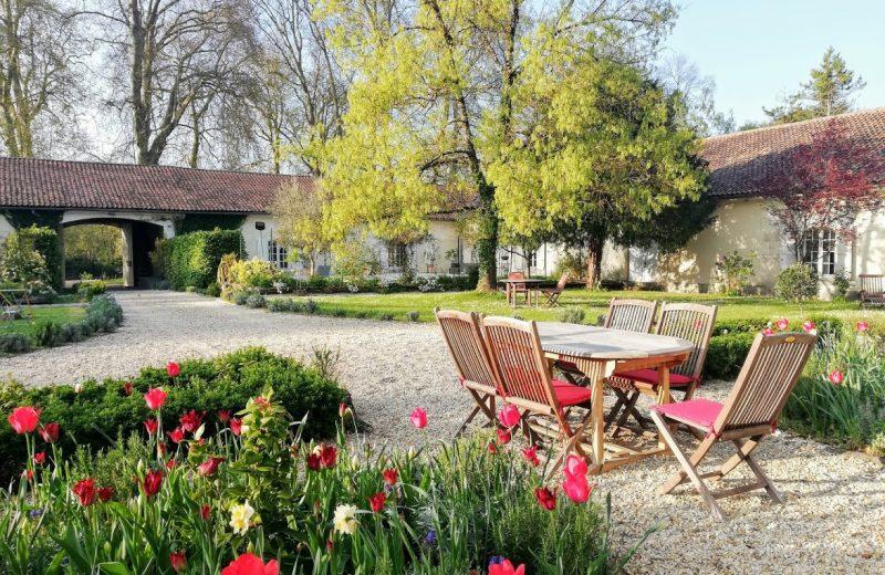 Chambres d'hôtes – Le Domaine des Platanes à Bourg-Charente - 19