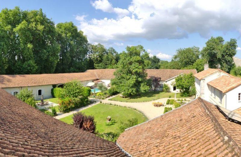 Chambres d'hôtes – Le Domaine des Platanes à Bourg-Charente - 22