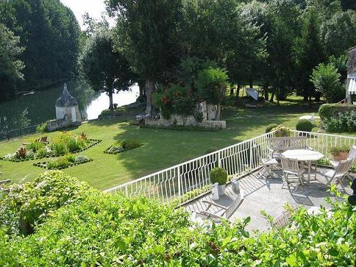 Chambres d'hôtes – La Cascade de Saintonge à Saint-Même-les-Carrières - 10