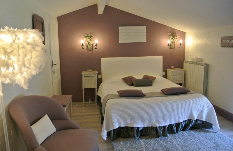 Chambres d'hôtes – La Cascade de Saintonge à Saint-Même-les-Carrières - 4