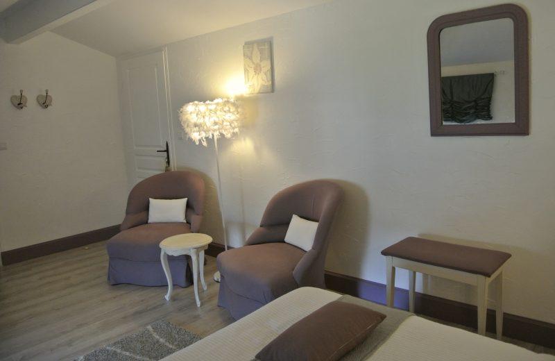 Chambres d'hôtes – La Cascade de Saintonge à Saint-Même-les-Carrières - 3