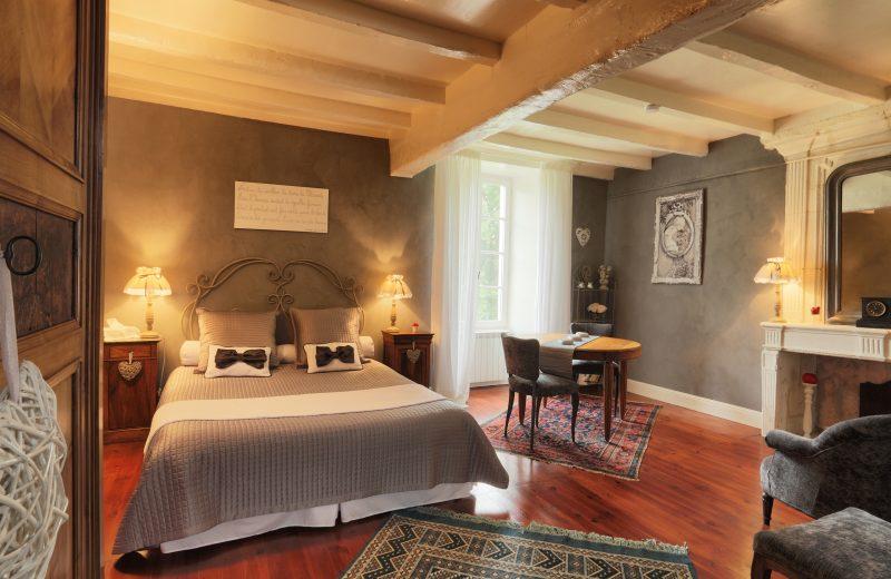 Chambres d'hôtes – La Cascade de Saintonge à Saint-Même-les-Carrières - 1