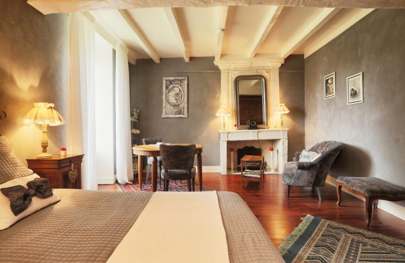 Chambres d'hôtes – La Cascade de Saintonge à Saint-Même-les-Carrières - 2