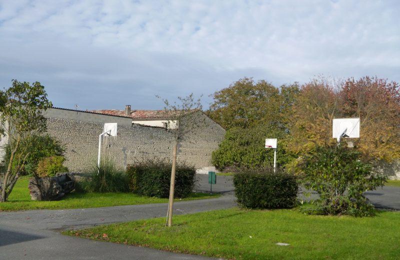 Aire de services camping-cars de Criteuil-la-Magdeleine à Criteuil-la-Magdeleine - 0