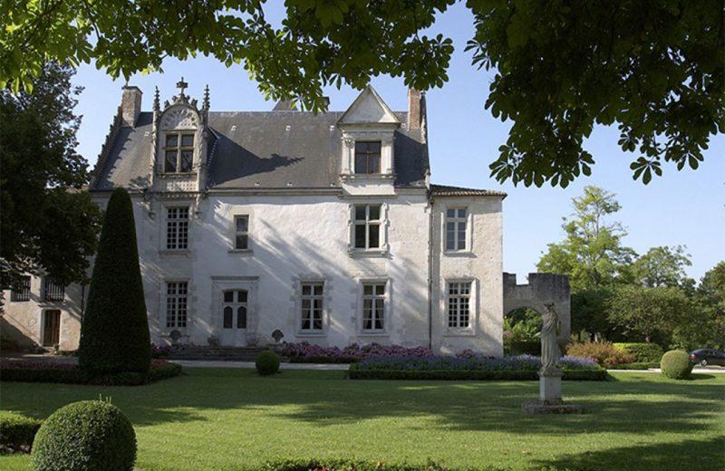 Château de Beaulon à Saint-Dizant-du-Gua - 0