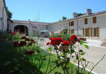 """Chambres d'Hôtes """"Relais de St Preuil"""" à St-Preuil"""