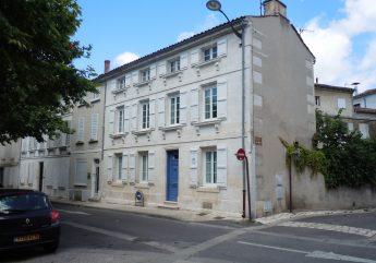 Chambres-d-hotes-Les-platanes-du-centre-Mme-Valade-Maison-2017