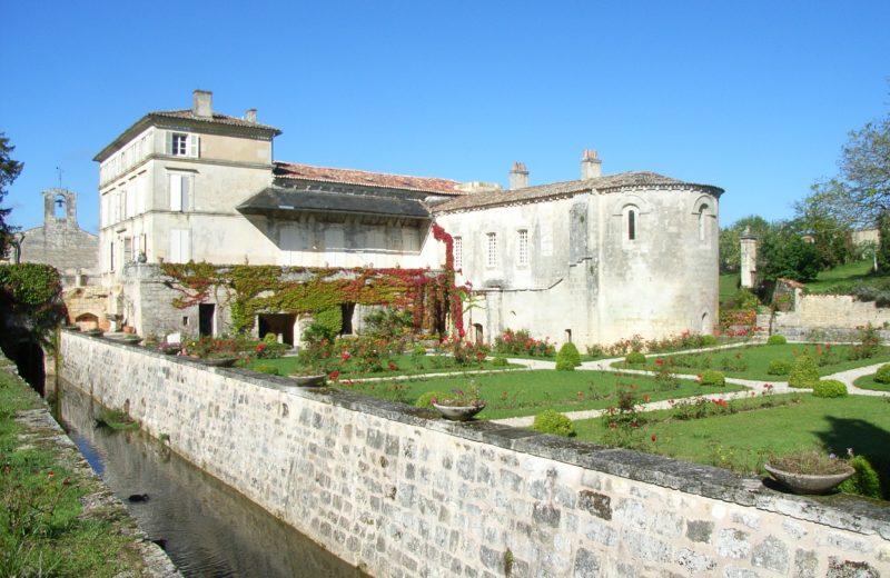 Jardin de l'Abbaye de Fontdouce à Saint-Bris-des-Bois - 1
