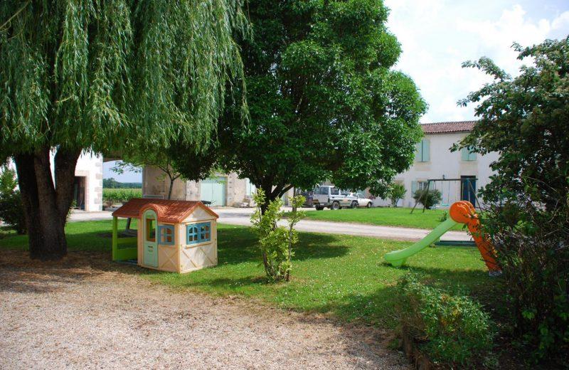 Meublé_jusqu'à 6pers – Gîtes de la Tacharderie – L'alambic à Cherves-Richemont - 10
