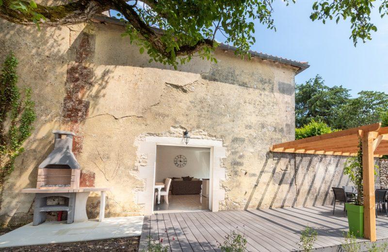 Meublé – Maison Tranquille à Louzac-Saint-André - 3