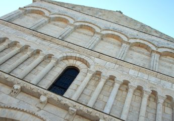 Abbaye-de-Chatres-Saint-Brice-BRUNET-Jean-Claude-Charente-Tourisme.jpg