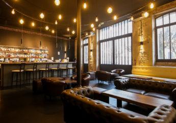 Bar-Luciole-cognacs.jpg