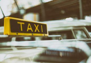 Taxi.-Libre-de-droit.-Pixabay.jpg