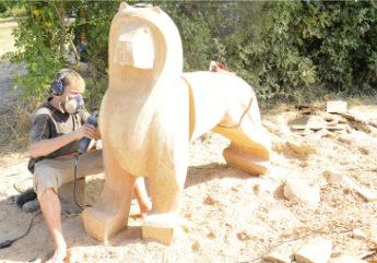 art-et-bois-sculpture-monumentale-breville.jpg