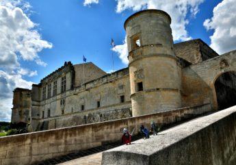 chateau-de-bouteville-BRUNET-Jean-Claude-Charente-Tourisme.jpg