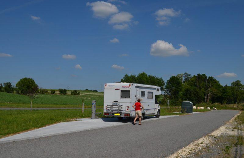 AIRE DE SERVICES CAMPING-CARS à MALAVILLE - 4